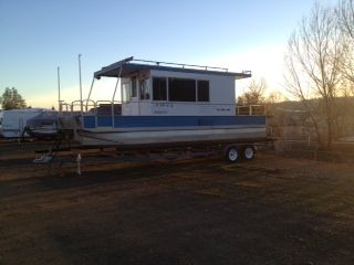 26 Houseboat with Trailer - $17000 (Copperopolis)