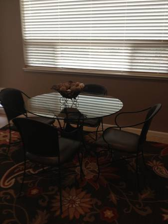 Pier 1 glass dining room table, chairs - $150 (Auburn)