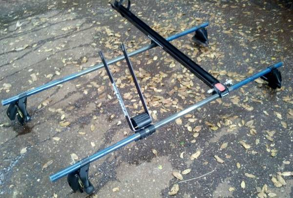Yakima Roof Rack - $200 (Grass Valley)