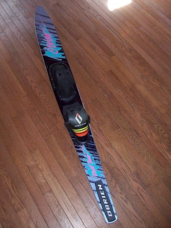 VINTAGE OBRIEN GRAPHITE SLALOM WATER SKI W CASE - $25 (GRASS VALLEY)