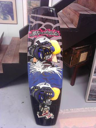 BILLY McKEE BLINDSIDE WAKEBOARD - $350 (AUBURN)