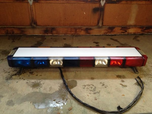 WHELEN edge 9000 Strobe light bar - $450 (Sonora)