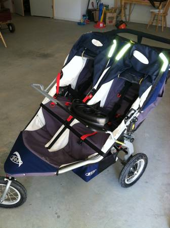 Double Bob Revolution Stroller - Navy - $400 (Twain Harte or San Ramon)