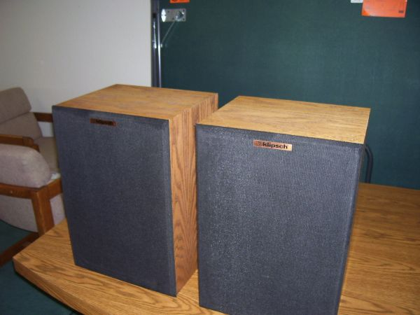 Klipsch KG2 KG SPEAKERS OAK Almost perfect - $125 (l.o.p.)