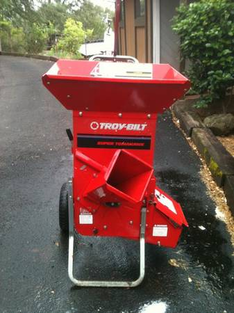 Troy bilt super tomahawk chipper - $550 (Eldorado)