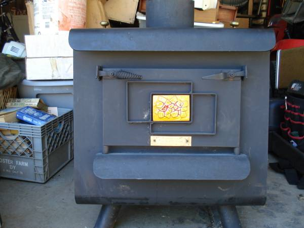 Garage Sale left over Wood Stove Earth Stove Great Condition - $300 (Valley Springs)