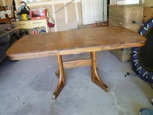 SOLID OAK TABLE WITH LEAF RICHARDSON BROTHERS - $40 (SONORA)