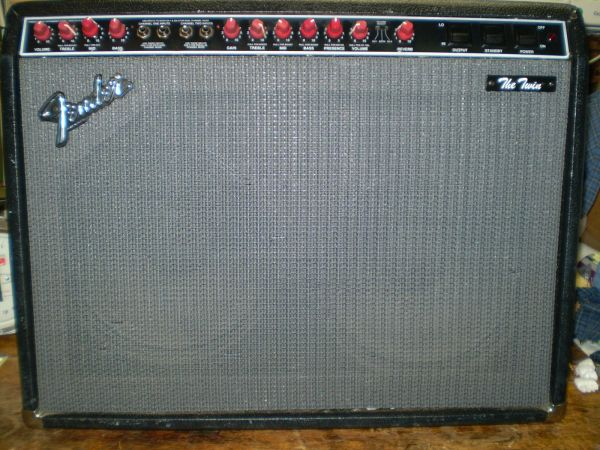 VINTAGE FENDER THE TWIN 100 WATT TUBE AMP USA AND FOOT SWITCH FSTrade - $575 (Sonora)