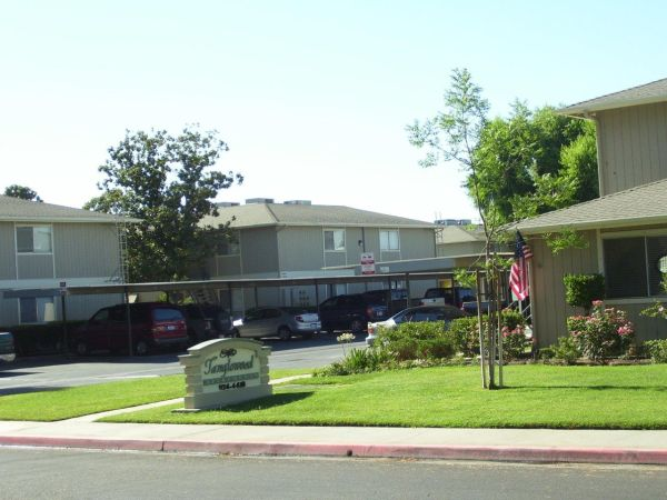 - $775 2br - 1000ftsup2 - TANGLEWOOD APARTMENTS (Lemoore, CA)