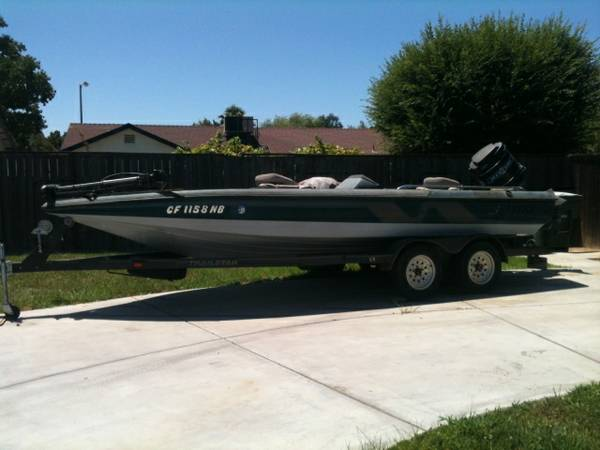 1998 Bass Boat Nitro with a 115 hp Mercury outboard motor - $4000 (madera)