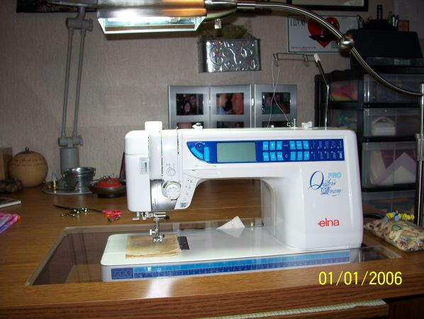 Elna Pro Quilters Dream Sewing Machine With Horn Sewing Table - $1600 (Hanford)