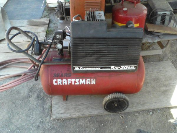 Craftsman 20 Gal Air Compressor 220 volts - $220 (El Centro)