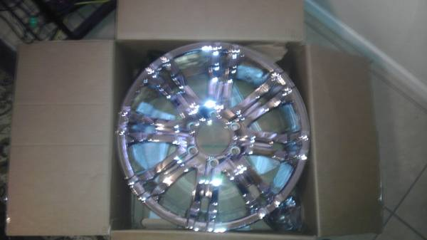 NEW 18 in. american eagle rims, never been used, still in box - $600 (el centro)