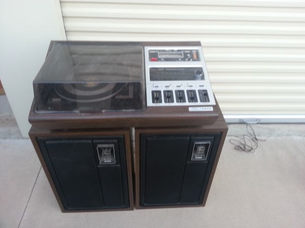 Zenith Allegro 3000 Stereo with LP and 8 Track Player - $200 (El CentroImperial County)