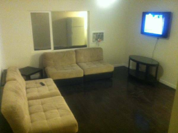 - $650 475ftsup2 - A quality apartment for rent in Art District Apartments