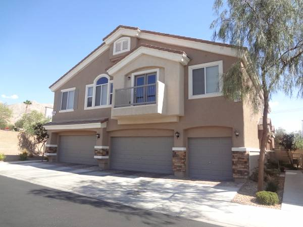 - $795 2br - 1218ftsup2 - Newer Townhome with Garage (Las Vegas Hollywood and Lake Mead 89156)