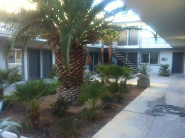 - $750 1br - 550ftsup2 - GOOD VALUE, STUDIO AND 1 BEDROOM APARTMENT -- UTILITIES ARE FREE