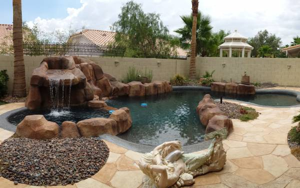 - $450 BIG BEAUTIFUL HOUSE SHARE - LARGE bedroom (spring valley - summerlin)