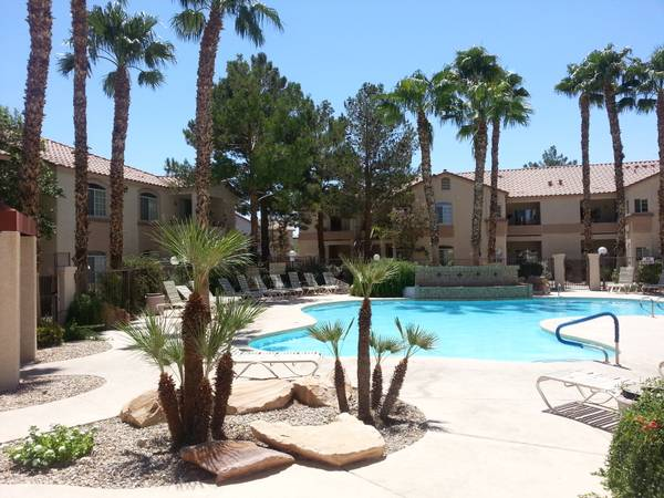 - $1350 2br - 1200ftsup2 - BEAUTIFUL, FURNISHED, TURNKEY --- PERFECT FOR TEMPS, TRAVELERS (SUMMERLIN)