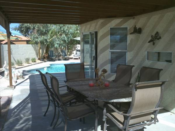 - $185 3br - 1750ftsup2 - SPECIAL RATE $40night off BOOK NOW HOUSE WITH POOL (Great Location in NW - Easy Drive)