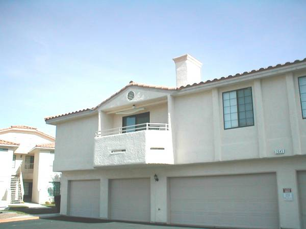 2br - 965896589658Quiet Corner Top Floor Condo-Gated-Garage (Summerlin - 15 Minutes West of Strip)