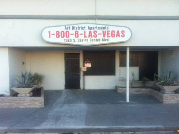 - $850 550ftsup2 - Furnished Apartment Just off the Strip (Arts District Apartments)