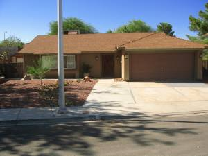 3br - 973397339733 Custom Single Story Home With Hot Tub (15 Minutes West of Strip)