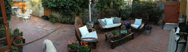 - $1950 2br - San Diego Beach Cottage (Pacific Beach)