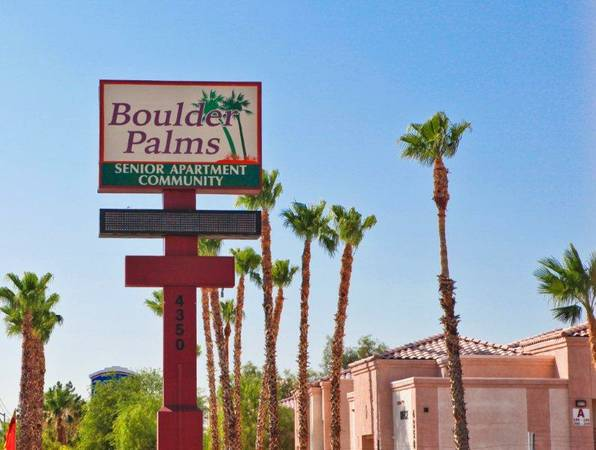 $699 1br - 462ftsup2 - Snowbirds Move In Before St Pattys Day (Boulder Hwy near Sams Town)