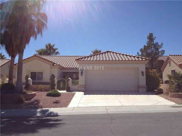 - $199900 2br - Highly Upgraded Single Story 1533 sq ft 2bed2bth 2car (Sun City Summerlin)