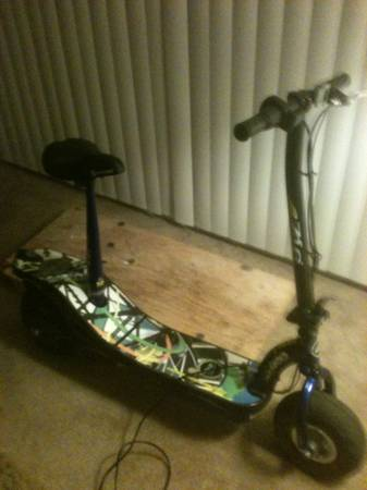 E-zip-4oo electric scooter - $175 (henderson)