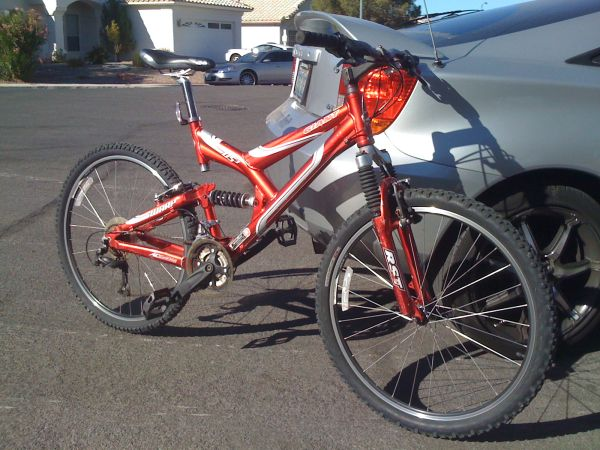 FULL SUSPENSION GIANT WARP DS3 MOUNTAIN BIKE - $290 (NORTH LAS VEGAS)