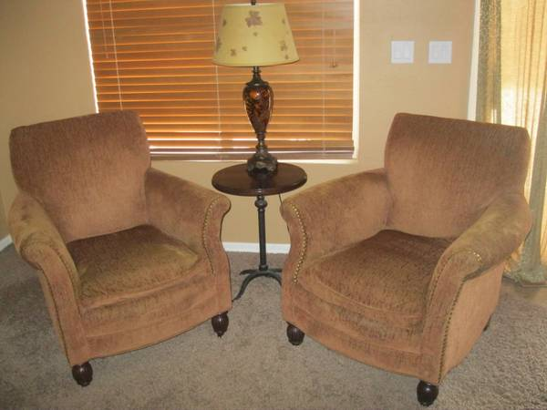 Bernhardt Couch and 2 Sam MooreLazy Boy Chairs - $350 (North Jones 215)