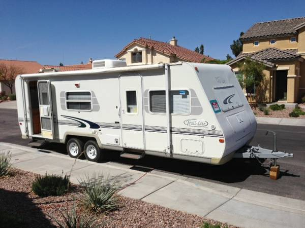 2001 Travel Trailer - $8800 (Henderson)