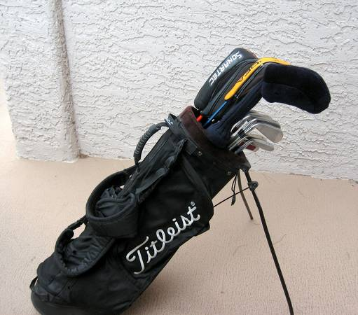 TITLEIST GOLF CLUBS COMPLETE SET - $500 (South West)