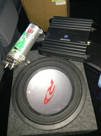 ALPINE 12 inch subwoofer Type R with compression box and Alpine 500 M - $180 (Las Vegas )