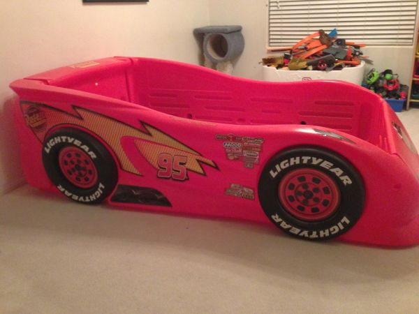 Lightning McQueen Twin Car Bed - $240 (Henderson)