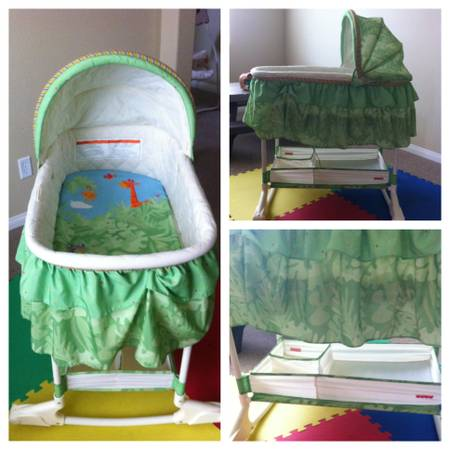 Pack Play, Bassinet, Swing - $10 (Northwest)