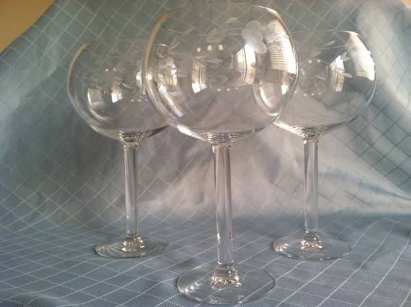 Princess House Heritage Large Balloon Wine Glasses (Three) - $25 (Near M Resort)