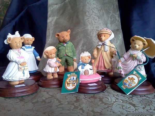 Figurines Decorative Gift type items - $5 (Silverado Ranch)