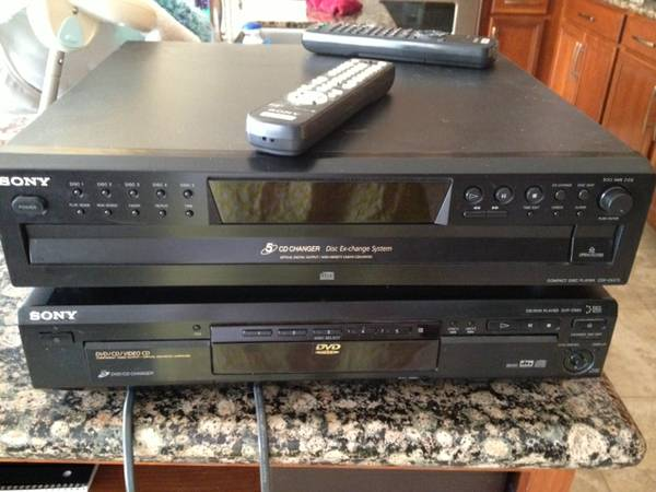 Sony DVD player and Sony CD changer - $60 (Enterprise, NV)