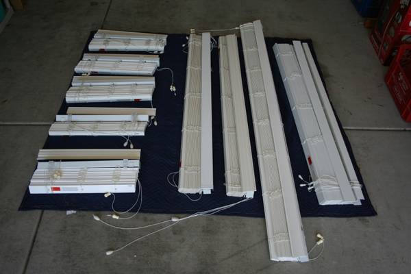 2 white faux wood blinds (home depot brand) - $20 (Henderson)