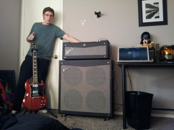 Fender Mustang V Half Stack with pedal great condition - $450 (Henderson)