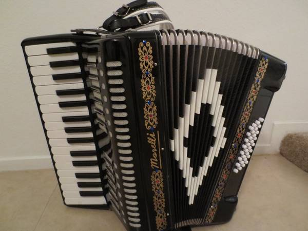 New Morelli Accordion - $400 (Torrey Pines Smoke Ranch)