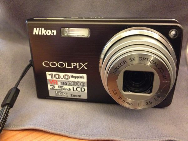 Nikon COOLPIX S550 10.0 Mega pixel Digital Camera - $50 (Central Vegas)