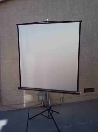 Da-Lite Silver Pacer Projection Screen - $30 (Russell95 Whitney Ranch)