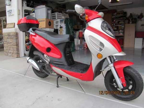 Looking For A Running Moped Have 400 Cash - $400 (Las Vegas, Henderson, North Las Vegas)