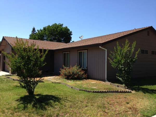- $400 Furnished Room(Close to UCM Cattracks and Merced College) (147 West Donna Drive)