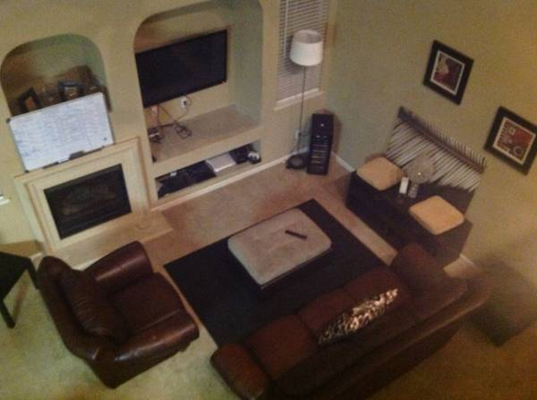 $400 Extravagantly furnished house near cat tracks (North Merced)