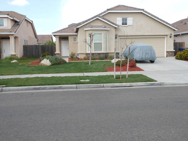 - $430 Two Bedrooms Rent (UC female, Students only) (1379 Jenner Drive Merced, Ca. 95348)